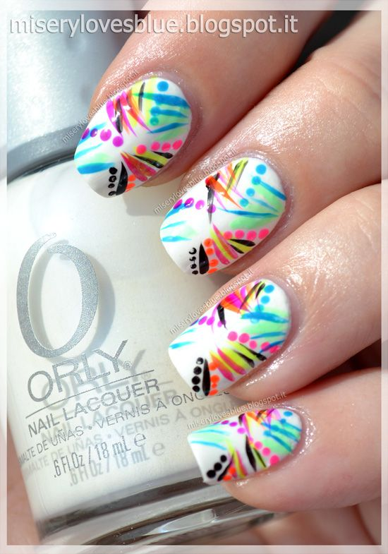 Misery Loves Blue...: Neon Lights: Graffiti nail art