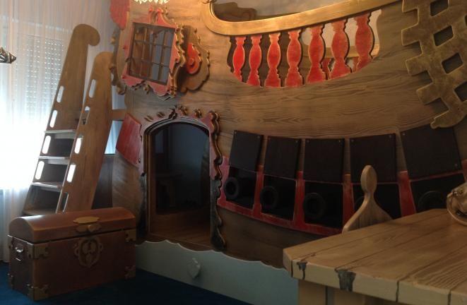 Allround Deco - Kinderbedden: Piraten bed/boot de luxe