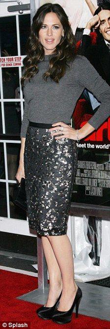 "Jennifer Garner in Oscar de la Renta Pre-Fall 2011 dress and Casadei pumps at the N.Y. premiere of ""Arthur"", April 2011"