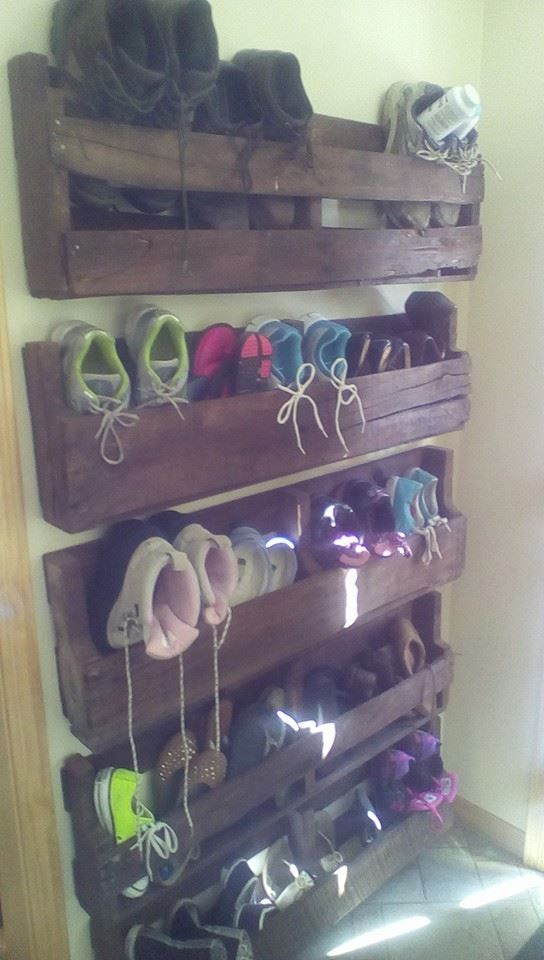 Pallet Shoe Storage. Practical & looks good