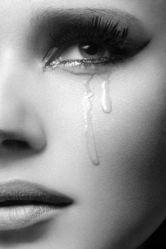 Жизнь, открытка плачущего