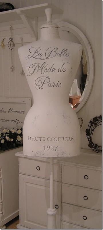 love the dressmaker form ~ La Belle ~ neat painted stuff on her site