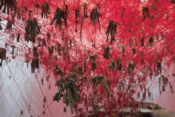 chiharu shiota venice art biennale 2015 the key in the hand