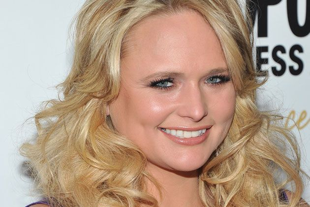Miranda Lambert Feet | Miranda Lambert Donates Ticket Sale Proceeds to Aid Tornado Relief ...