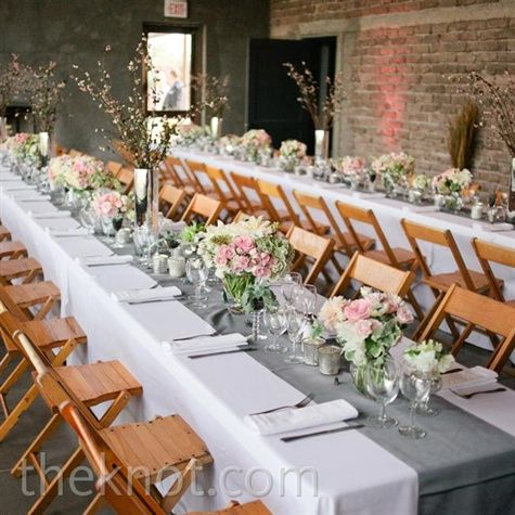white tablecloths, gray runners and pink flowers.. gorg