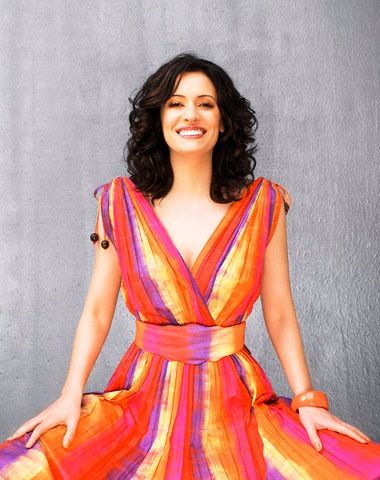 Stunningly gorgeous Paget Brewster, the All American Girl next door that every guy dreams of spending a lifetime loving!