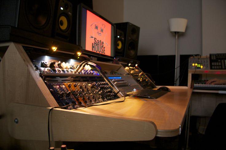 Recording studio desk - Low Rida