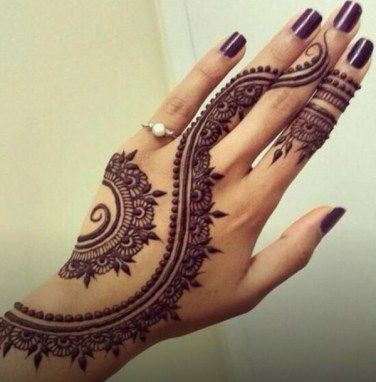 #Karwachauth #MehndiDesigns for #NewMothers: http://thechampatree.in/2015/10/29/karwachauth-mehndi-designs/