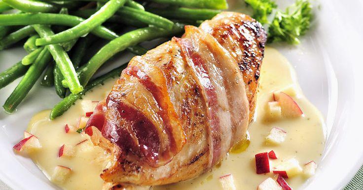 Baconlindad kyckling med cidersås