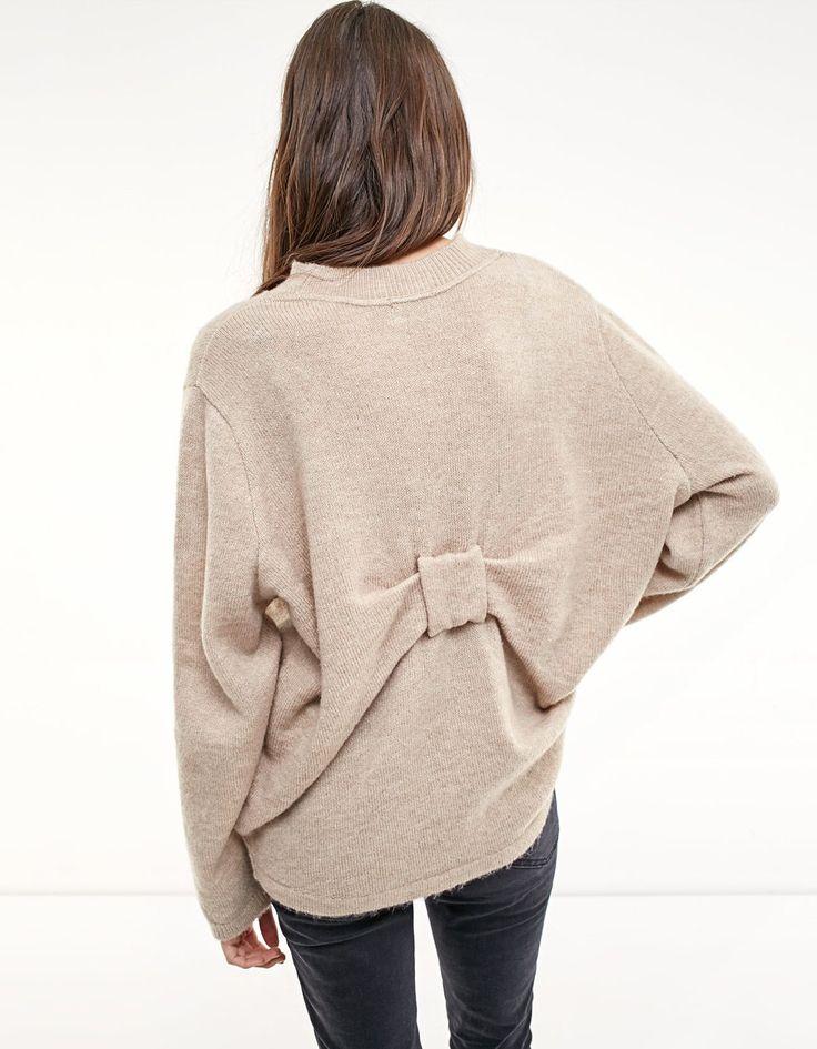 Jersey with back detail - Knitwear | Stradivarius United Kingdom