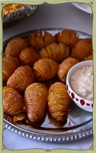 Hasselback potatoes are a nice idea for Christmas dinner!