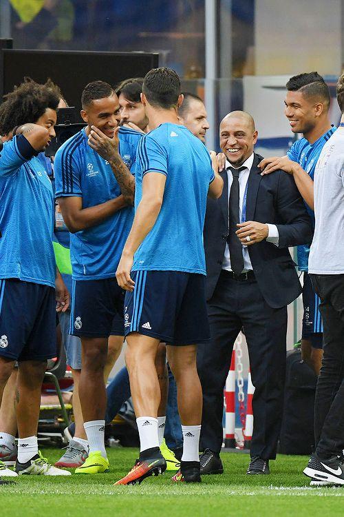 Roberto Carlos at Real Madrid's training session in Milan