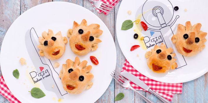Facce da pizza. Per leggere la ricetta: http://myhome.bormioliroccocasa.it/myhome/it/home/spazio-alle-idee/mani-in-pasta/facce-pizza.html