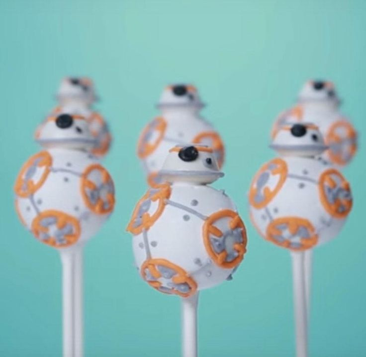 Cute and delicious! Star Wars BB-8 cake pops1