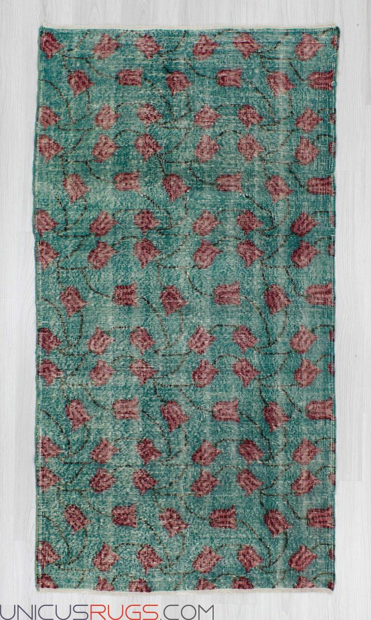 """Vintage art deco rug from Isparta region of Turkey. In good condition. Approximately 45-55 years old. Width: 3' 10"""" - Length: 7' 3"""" Vintage Art Deco Rugs"""