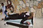 Mogok makan massal oleh tahanan Palestina memasuki pekan kedua  TEPI BARAT (Arrahmah.com)  1.500 tahanan Palestina terus melakukan aksi mogok makan di penjara Israel ujar Otoritas Palestina dan LSM Palestina.  Dukungan untuk pemogokan tersebut mendapat momentus dengan demonstrasi di Tepi Barat dan sebuah kampanye sosial media yang menunjukkan selebriti dunia Arab meminum air asin untuk solidaritas lansir Daily Sabah pada Senin (1/5/2017).  Semenara itu seorang menteri otoritas Zionis Israel…