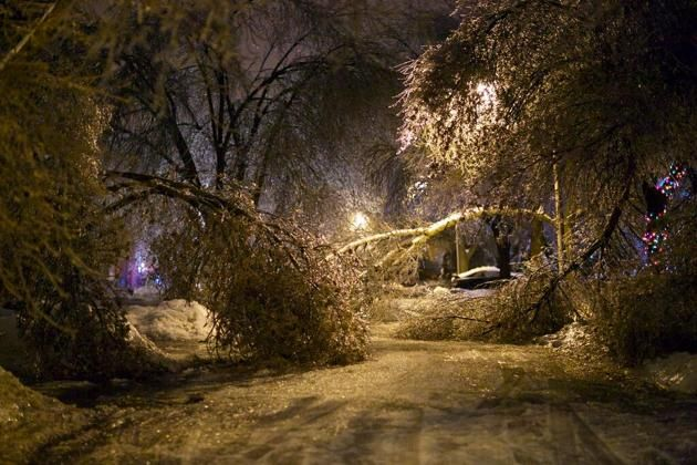 A Twitter image of the ice storm in Brampton, Ont., on Dec. 22.