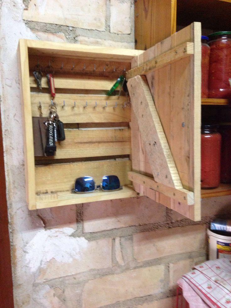 Armario Pequeño Ikea ~ 17 mejores imágenes sobre Ideas de madera en Pinterest Madera rústica, Botella y Bastidores de