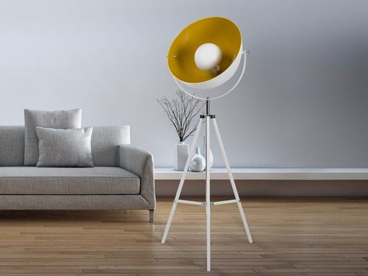 luminaire d coratif lampadaire tripode galerie decarts. Black Bedroom Furniture Sets. Home Design Ideas