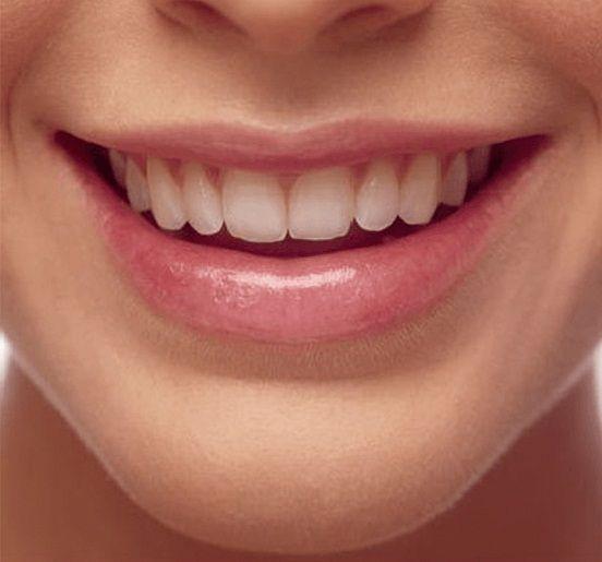 Как восстановить потрескавшиеся губы 0
