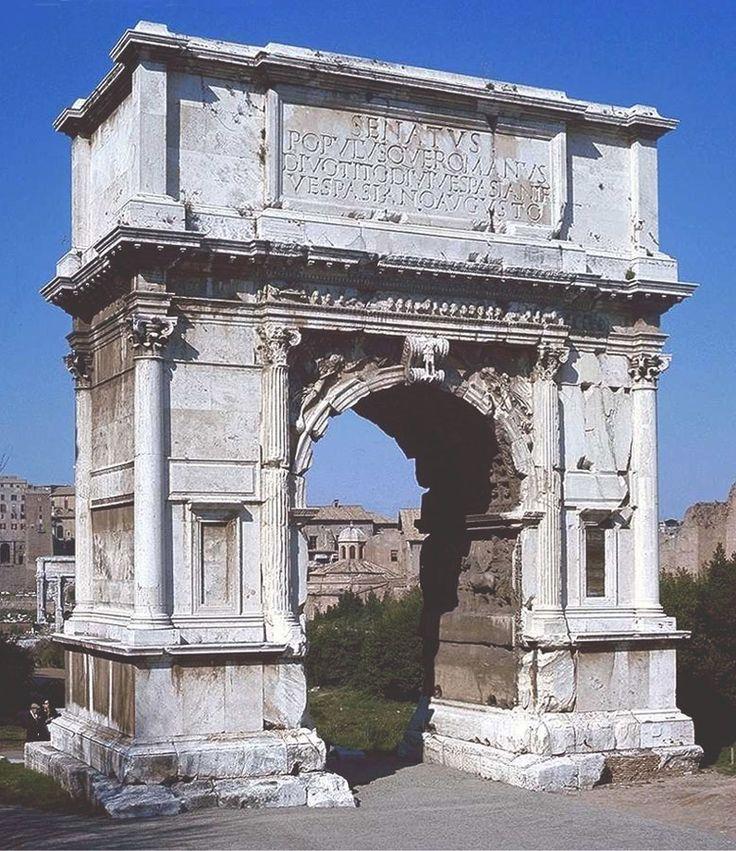 ŁUK TYTUSA  Łuk triumfalny stojący przy Via Sacra, zbudowany w 82 AD przez cesarza Domicjana ku czci zwycięstw cesarza Tytusa, przede wszystkim zdobycia Jerozolimy w 70 AD. W łuku po raz pierwszy zastosowano porządek kompozytowy, łaczący porządki joński z korynckim.
