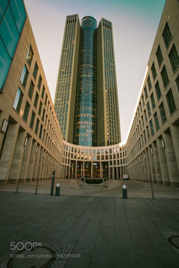 Frankfurt Tower185 by kampi
