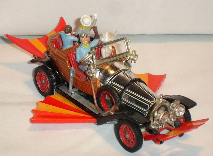 VINTAGE CORGI TOYS 266 CHITTY CHITTY BANG BANG CAR FROM THE 1960'S