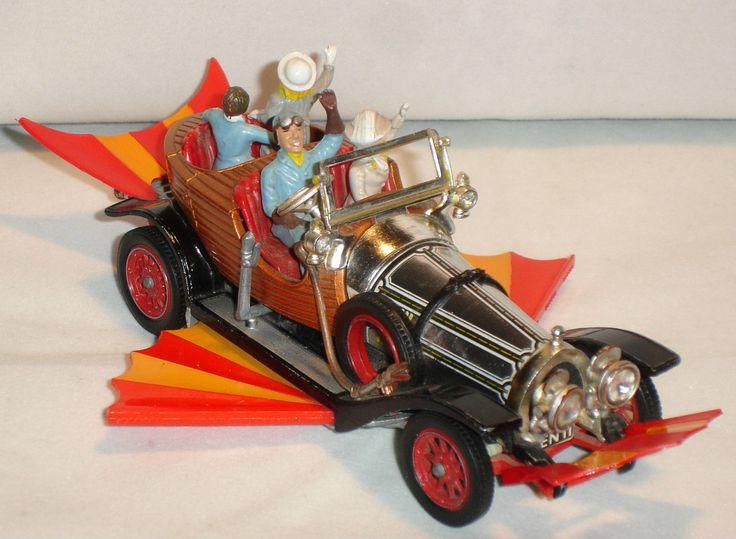 VINTAGE CORGI TOYS 266 CHITTY CHITTY BANG BANG CAR FROM THE 1960'S