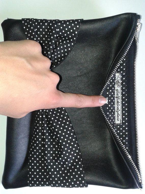 Pochette elegante in ecopelle nera by glielfidelcalzolaio on Etsy