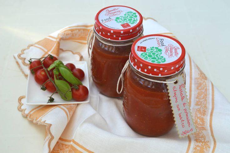 Passata di pomodori con basilico