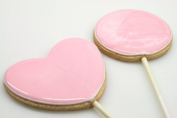 This is a great basic recipe for vanilla sugar cookies which you can use to make your favorite heart cookies for #valentinesday or any other day you want to share some love.