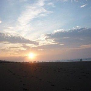 Sejuknya udara pagi di pantai Widara Payung