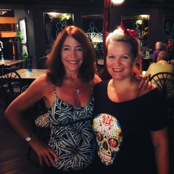 This lady right here-Justine Smith-the funniest women I know and she has taken her comedy from personally entertaining me to doing stand up comedy in clubs around #BigIsland. If you are looking to laugh hard spit your drink out and have a great night (especially if you are a woman!) you have to catch her show! #BigIslandComedy #365Kona #HawaiiComedy #FunnyAsHell #kailuakona #Hawaii #lethawaiihappen #TouristsWelcome #RealLife