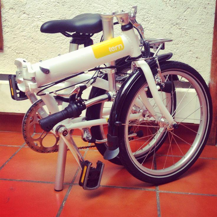 Lo confieso, no recuerdo si de niña tuve una bicicleta.     Tengo el recuerdo de mi padre haciendo intentos infructuosos por enseñarme, ta...