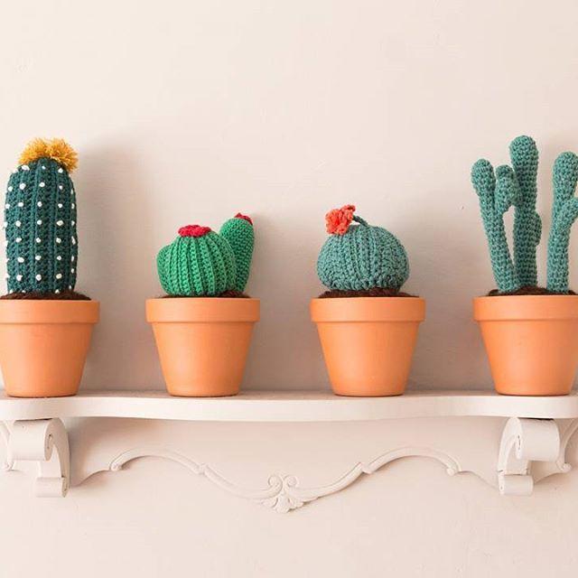 Nos vemos mañana de 10:00 a 21:00 ---> Feira da Primavera, barrio de San Pedro (Compostela)  See you tomorrow at Feira da Primavera (Compostela)    #crochet #crocheting #crochetlove #crochetlover #instacrochet #crochetersofinstagram #crochetaddict #knit #knitting #instaknit #knittersofinstagram #variopinto #varioipintoshop #etsy #etsyshop #etsyseller #cactus #moderncrochet #crochetcactus #plant #crochetplant #ganchillo #handmade #diy #green #flowers