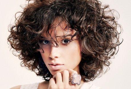 Tagli capelli ricci naturali