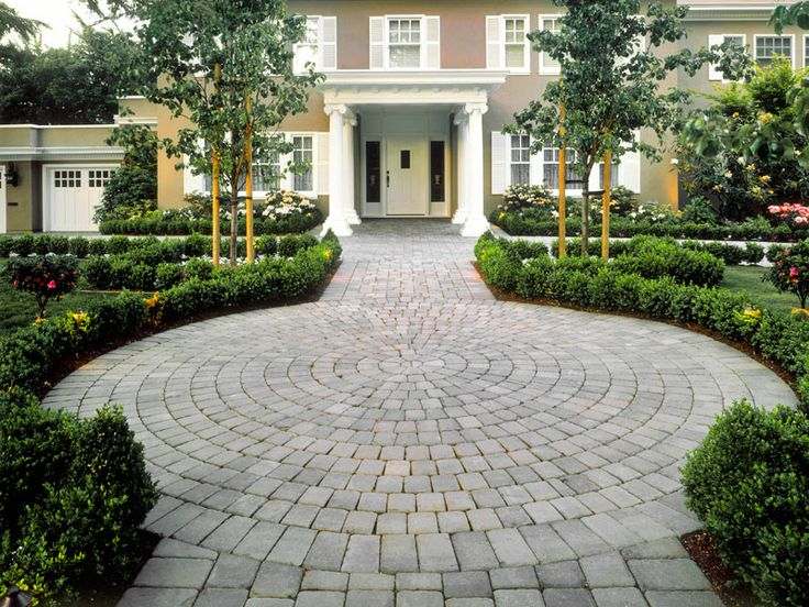 14 best half circle driveway images on pinterest Semi circle driveway designs