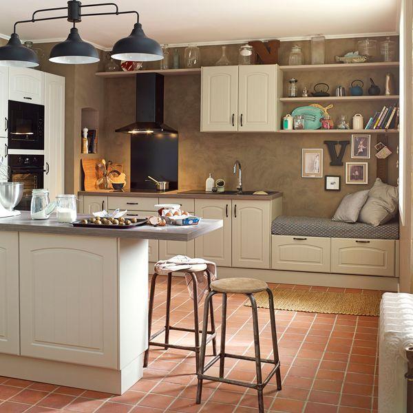 Du carrelage à l'ancienne pour rhabiller le sol de la cuisine