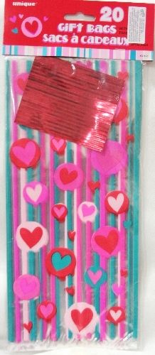 Sacchetti alimentari deco cuori. 20 Gift bags per confezionare dolcetti, caramelle o gadget per San Valentino, un infinità di cuori. Comopleti di cgiusura. Disponibili da C&C Creations Store
