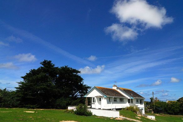 Thalassa -  A Cornish, self catering beach holiday house to rent at #ConstantineBay, just a short drive from #Padstow #Cornwall