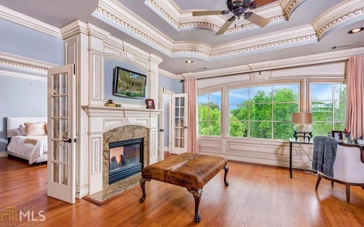 Comedian Ron White's Extravagant Georgia Mansion is up for Sale