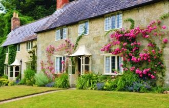 How to Start a Bed and Breakfast If you're thinking of turning your home into an inn, start here to learn about pricing, costs, employees and more.  Read more: http://www.entrepreneur.com/article/83704#ixzz2ZVRFyevU