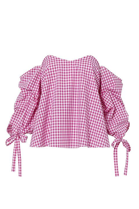 Gingham tops are here to stay this spring/summer! Make sure to get yours and pair it with denim pants or white pants.