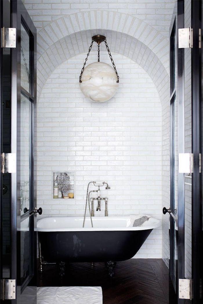Coole Und Praktische Badezimmer Ideen Und Bilder In 2020 Badezimmer Design Badezimmer Licht Schwarz Weisse Badezimmer