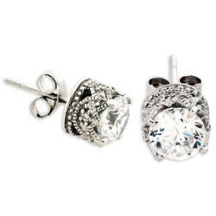Vintage Diamond Stud Earrings 111