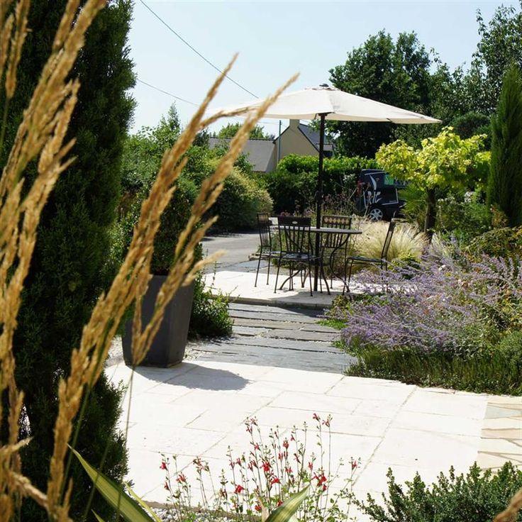 Jardin chateaugiron r alisations paysagiste rennes for Jardin moderne rennes