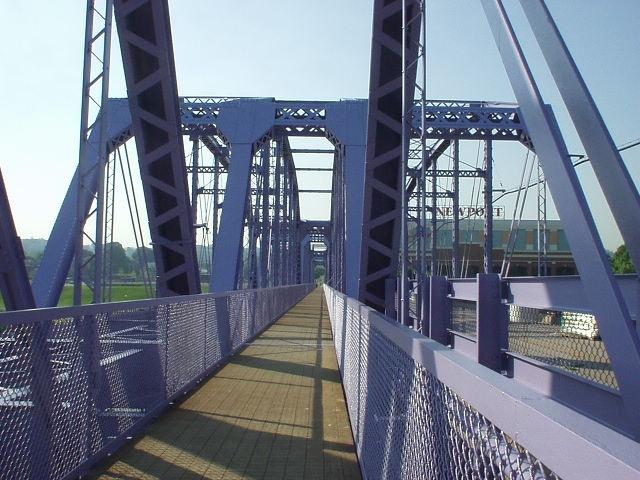Purple People Bridge - Cincinnati OH to Newport KYNorthern Ky Newport, Purple People, Kinda Town, Caves Kentucky, Heritage Kentucky, Kentucky Tourism, Mammoth Caves, People Bridges, Cincinnati Mi Kinda
