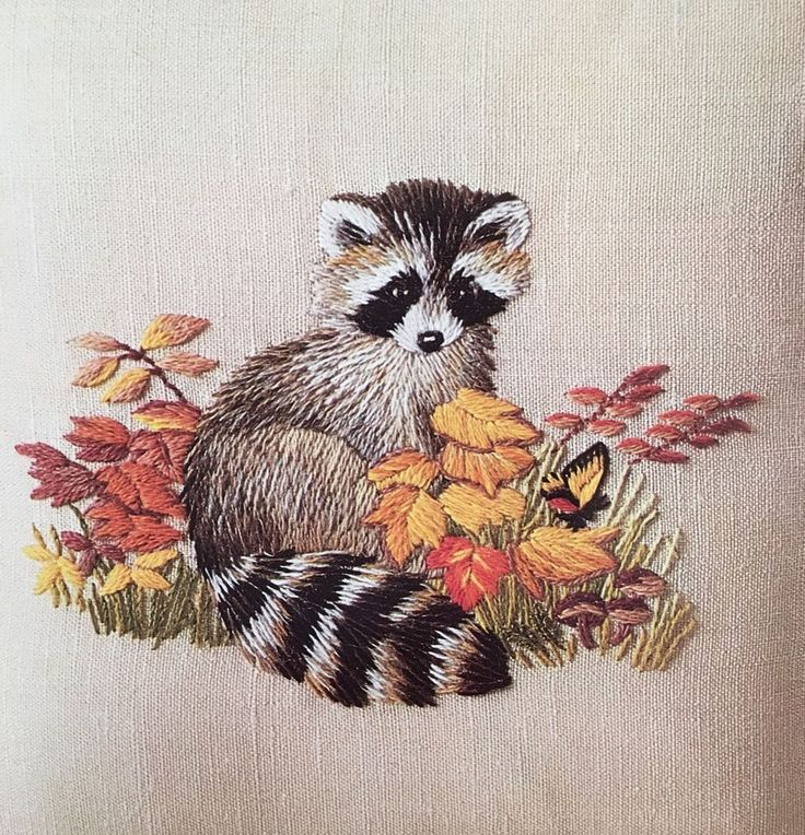 Erica Wilson RACCOON Stamped Crewel Embroidery Pillow Kit 7697 Columbia Minerva #ColumbiaMinerva