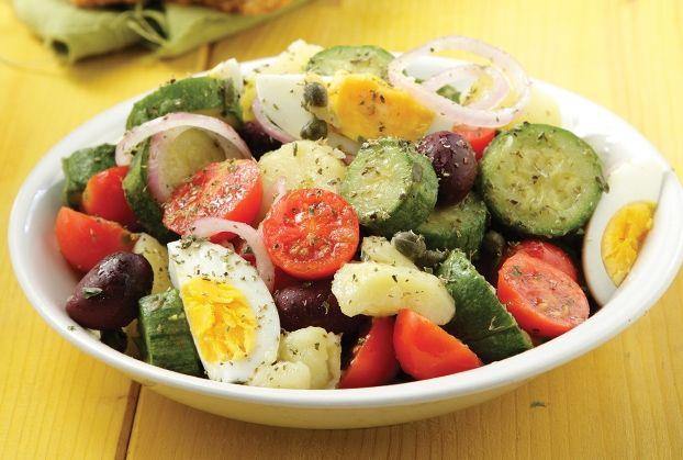 Βραστή σαλάτα με κολοκυθάκια