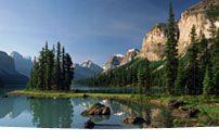 Maligne Lake Tours Jasper, Alberta, Canada